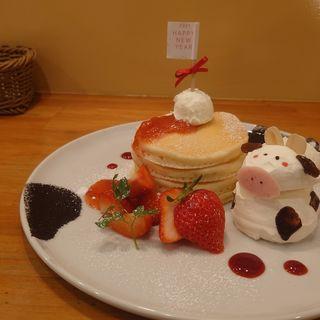 あまおうとモーモー生クリームのですがパンケーキ(パンケーキママカフェ VoiVoi (ヴォイヴォイ))