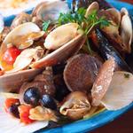 パラディーソ名物 本日仕入れた貝類とチェリートマトのペスカトーレ風リングイネ (トラットリア・築地パラディーゾ (【旧店名】築地 ロ・スコーリオ ))