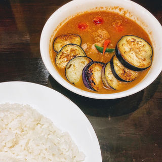 なすトマトチキン(curry 草枕)