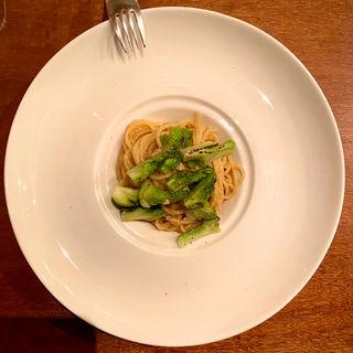 渡蟹の味噌と新玉葱、蕾菜のパスタ(コノ花まひろ )