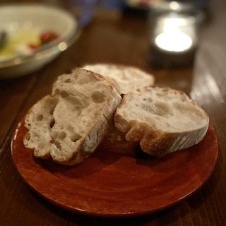 パン(Xató burrata & steak (シャト ブッラータ アンド ステーク))