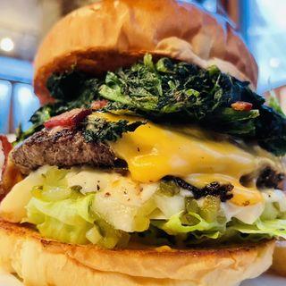 ポパイバーガー(ArmS Park Side Burger Shop)