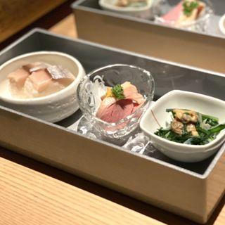 鯖棒寿司・春菊と浅利の煮浸し・合鴨京風蒸し