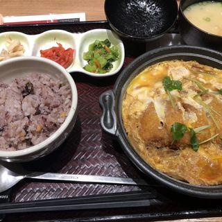 かつ鍋定食(定食屋百菜 旬 イオンスタイル笹丘店)