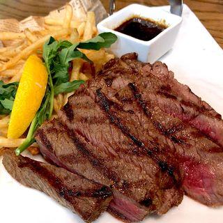 熟成牛のステーキ~特製オニオンソース~ 250g(サルヴァトーレ クオモ アンド バール 仙台)