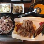 16穀米の洋食プレート(MERCER CAFE DANRO)
