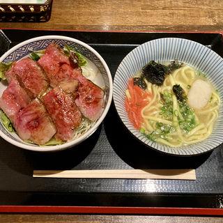 サーロインステーキ丼セット(うみかぜ)