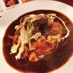 牛タン煮込みのオムハラシライス