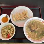 半焼飯+餃子+味噌ラーメン