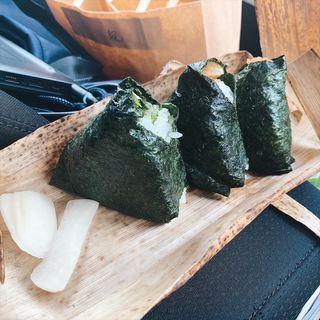 おむすび(豚角煮、青高菜、辛子明太子)(おむすびぎゅっぎゅ)