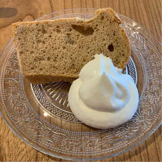 シフォンケーキ(ロイヤルミルクティー)(MINAMO CAFE)