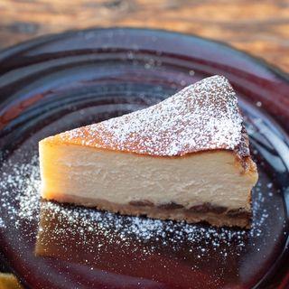 ラムレーズンのベイクドチーズケーキ(パーランド (parland))