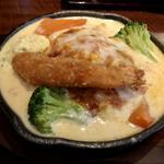 ハンバーグ 豆腐ペシャメルソース