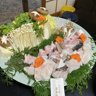 クエ鍋コース(料理宿 橋本荘 (りょうりやど はしもとそう))