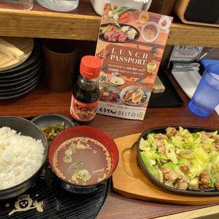 みつせ鶏スタミナ鉄板焼定食(とりかわ彦三郎)