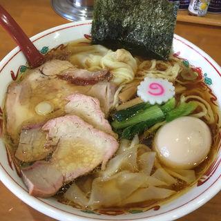 ワンタン麺 味玉入り(とら食堂 松戸分店 )