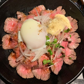 ローストビーフ丼(肉匠 牛虎 西中島店)