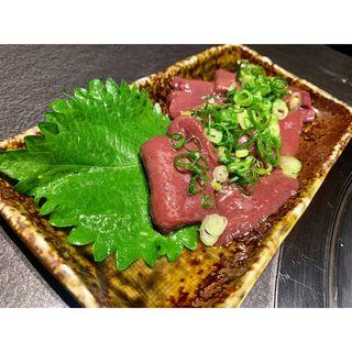 和牛生レバー炙り焼き(焼肉bue)