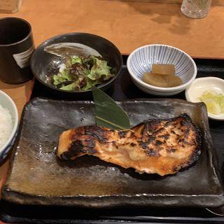 サーモンの粕漬け 限定8食(みのり (軍鶏 酒肴 みのり))