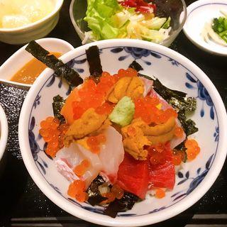 特選海鮮丼(たけはた)