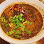 黒胡麻担々麺(杏仁荘 )