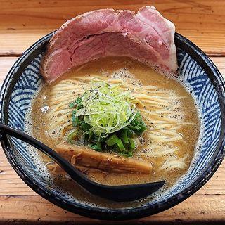 にぼ鶏しょうゆらーめん(極麺 青二犀 (ゴクメン アオニサイ))