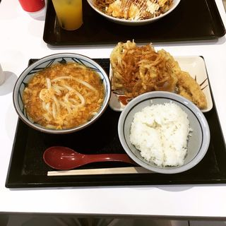 玉子あんかけうどん(丸亀ランチセット)(丸亀製麺 エアポートウォーク名古屋店 )