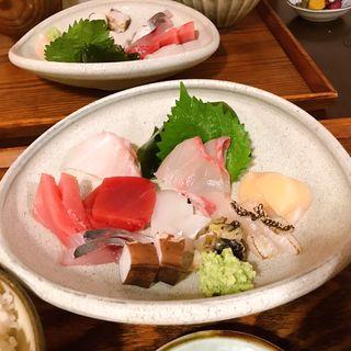 刺身盛り合わせ定食(ごはんや 飯すけ)