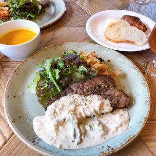 日替わりナインドアーズプレート(NINE DOORS(ナインドアーズ) Restaurant & Grill)