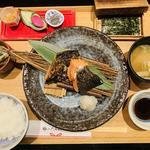 季節の焼き魚二種盛りの銀シャリ御膳