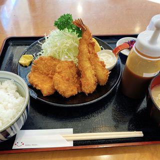 ヒレカツ海老フライ定食