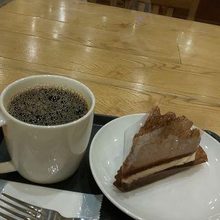 ドリップコーヒー、クラシックチョコレートケーキ