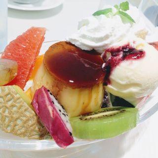 プリン・ア・ラ・モード(タカノフルーツパーラー 新宿本店)