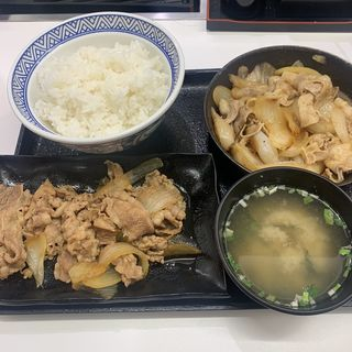 牛皿・豚生姜焼き定食(吉野家 新宿東口靖国通り店)