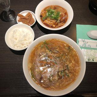 酸辣湯麺(広東料理 民生 ヒルトンプラザウエスト店 (みんせい))