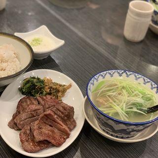 牛タン焼き定食1.5人前(牛タン焼専門店 司 東口ダイワロイネットホテル店 )