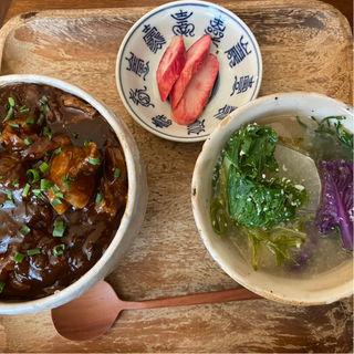 エゾ鹿シチュー丼(麦酒屋 るぷりん )