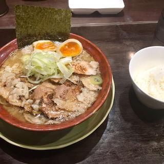 背脂肉そば 濃厚(千極煮干 (センゴクニボシ))