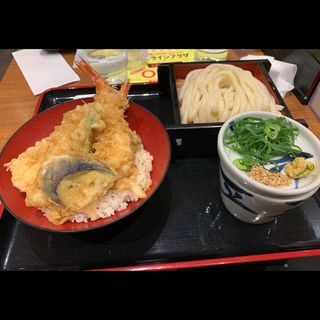 (さぬき麺業 東京駅店)