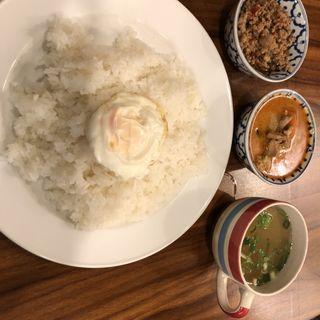 ガパオとカレー1種類 (ご飯大盛)(タイ ラック タイ )
