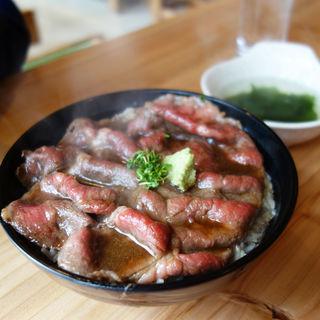 牛丼(博多炊き餃子 池三郎)