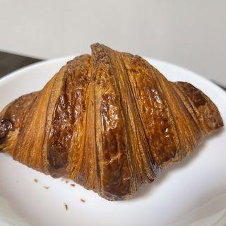 発酵バタークロワッサン(Patisserie Ravi,e relier (パティスリー ラヴィルリエ))