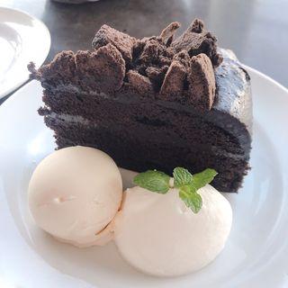ブラックアウトチョコレートとバニラアイス