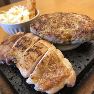 ハンバーグ&炙りチキン御膳