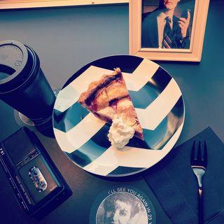 チェリーパイ(カフェ:モノクローム (CAFE:MONOCHROME))