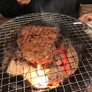 厚切りタン(炭火焼肉ホルモン みなみ)