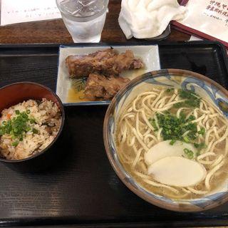 ソーキそば(楚辺)