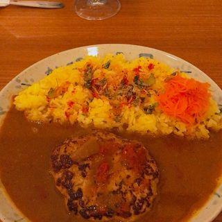 煮込みハンバーグカレー(カレーの店 八月)