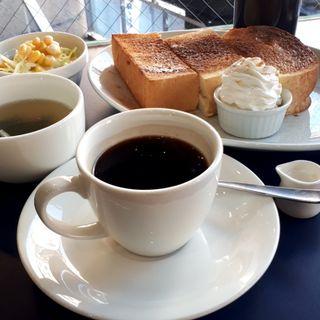 モーニングセット コーヒー、厚切りシナモントースト、サラダ、スープ(ルノアール 大塚店 )