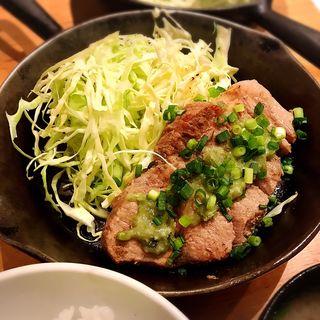 トンテキ定食(渋谷トンテキ)